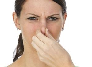 como tratar mau hálito vindo do estômago