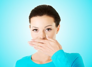 como eliminar mau hálito estomacal